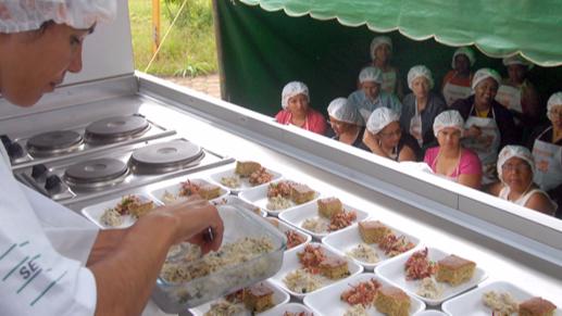 Cursos de educação alimentar do Cozinha Brasil desenvolvem receitas para prevenção de doenças crônicas