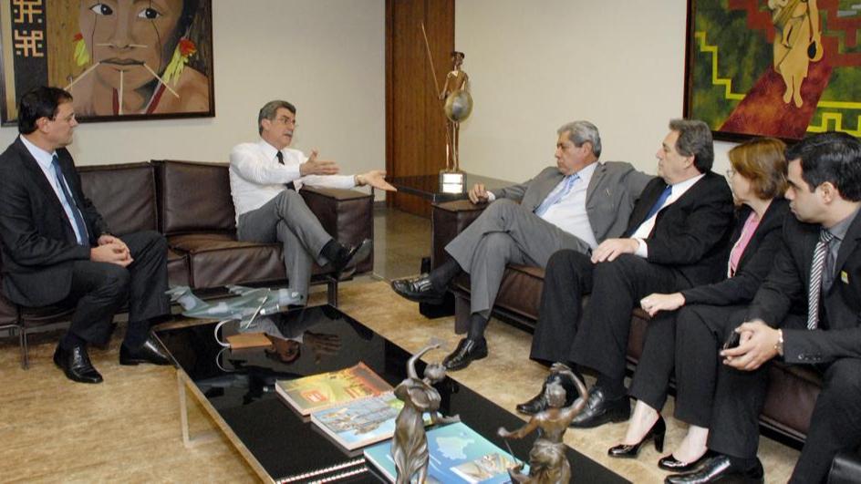 Longen vai a Brasília com André para tratar da convalidação dos incentivos fiscais