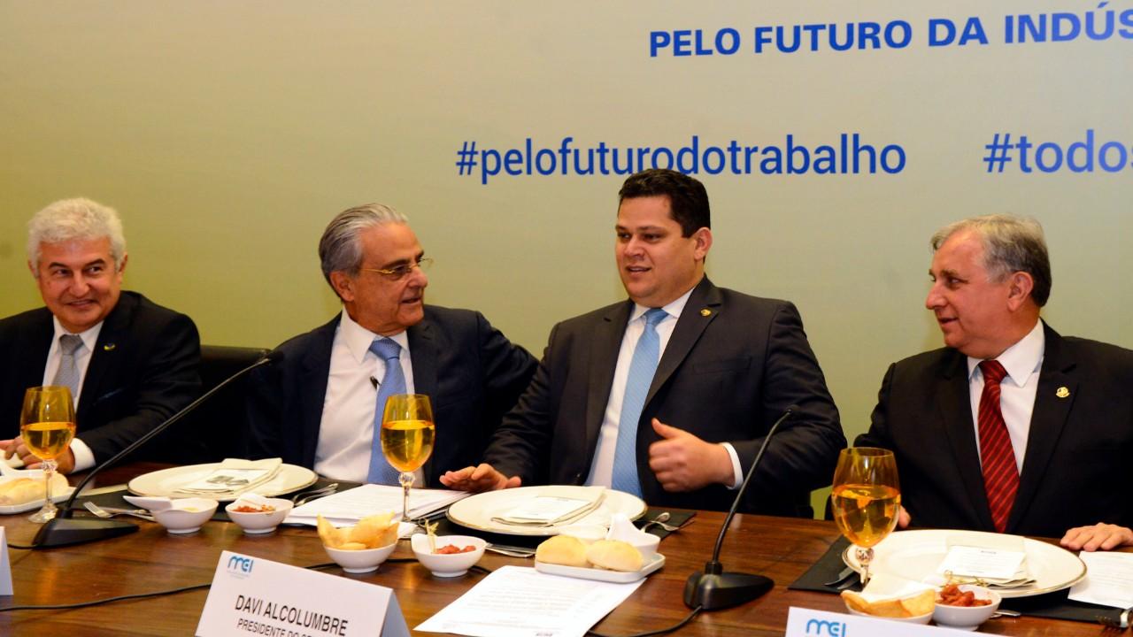 É essencial trabalharmos com o Congresso por investimentos em inovação, diz Robson Andrade