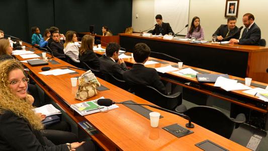 Alunos do SESI Bahia participam do programa Parlamento Jovem Brasileiro