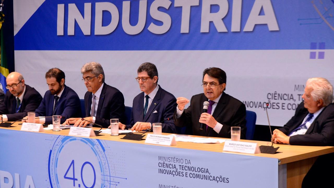 Inovação e indústria 4.0 são fundamentais para o país caminhar rumo ao desenvolvimento
