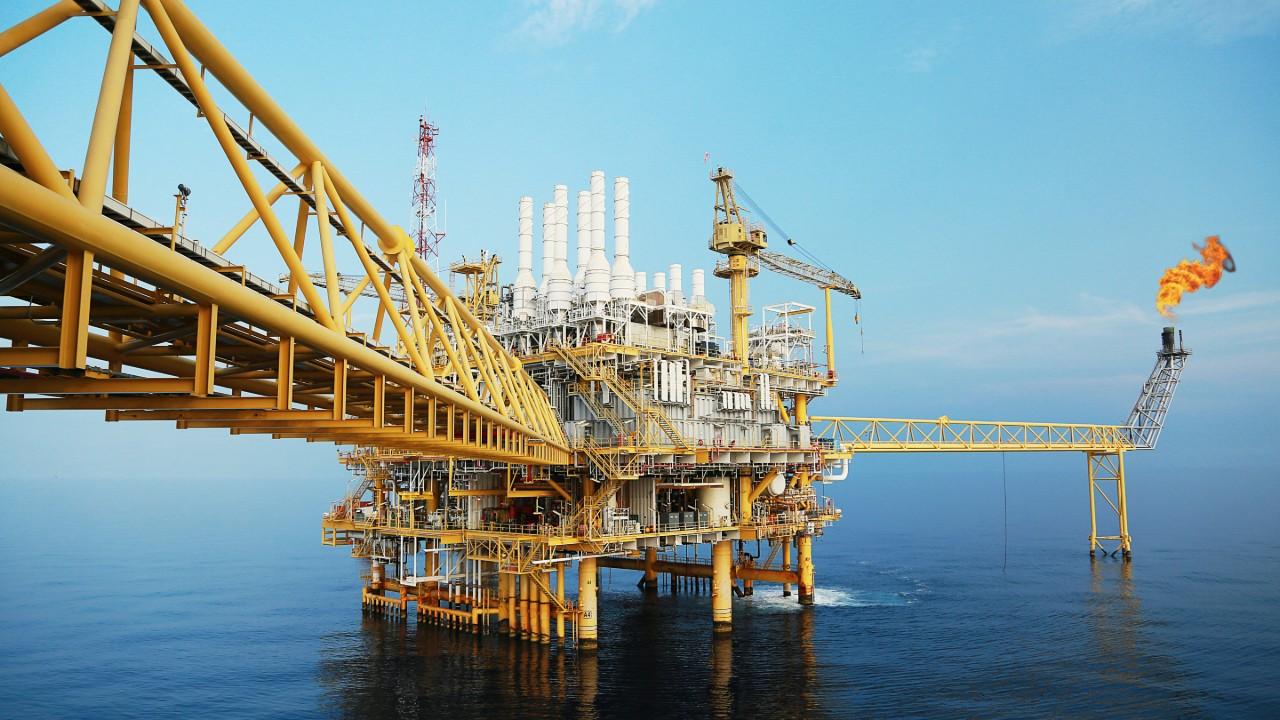 Leilão de blocos de petróleo e gás coloca o Brasil como importante destino de investimentos, diz CNI