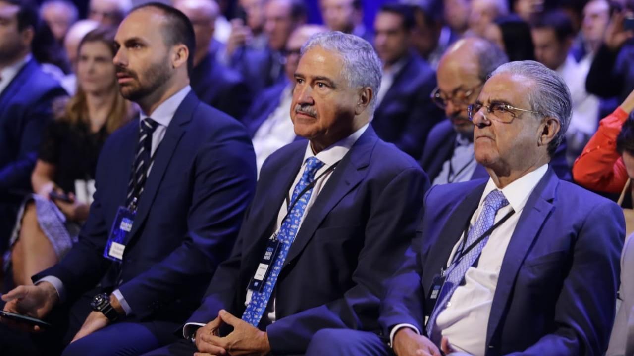 Sistema tributário acaba com capacidade da indústria de competir globalmente, diz presidente da CNI