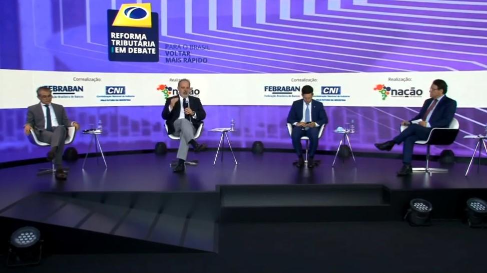 O problema fiscal do Brasil só será resolvido pelo crescimento econômico, avalia Armando Monteiro Neto
