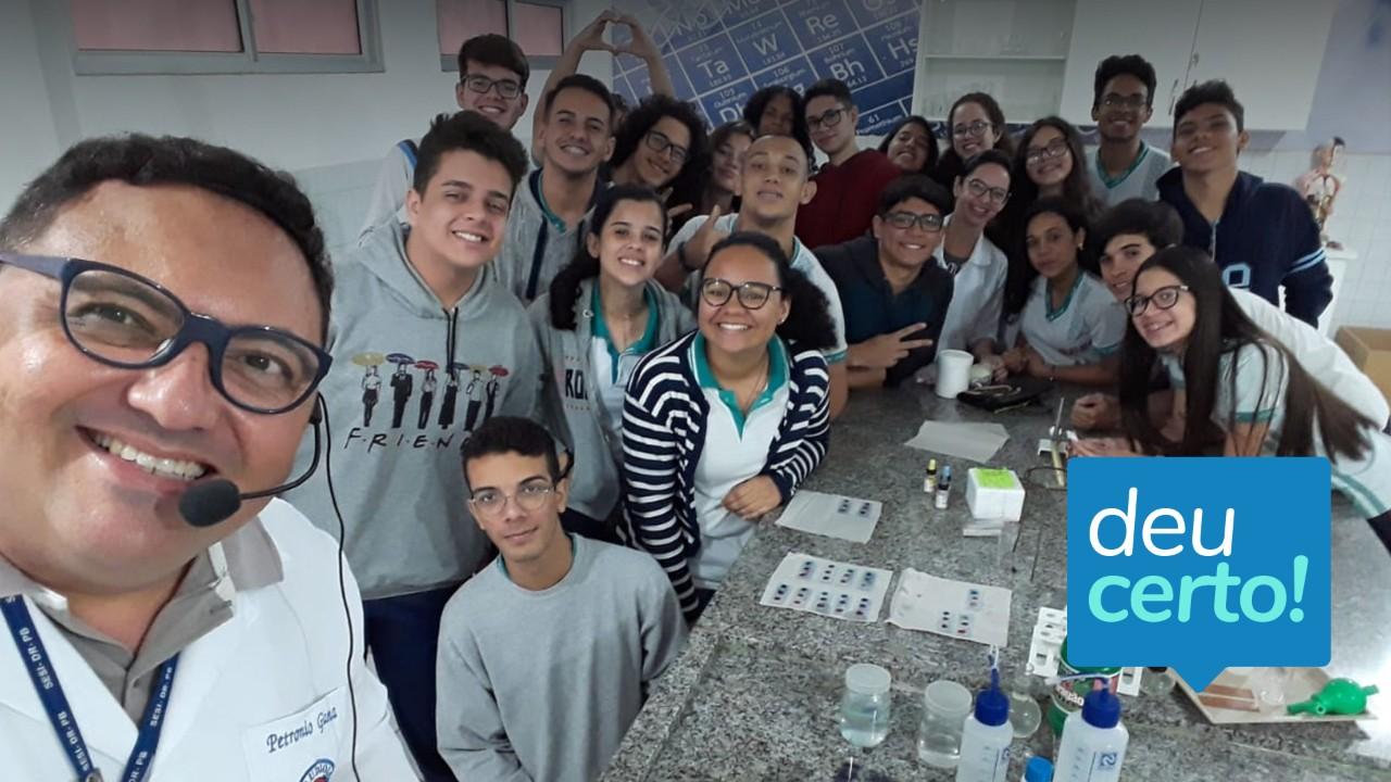 Professores que amam educar fazem a diferença na vida de estudantes da rede SESI