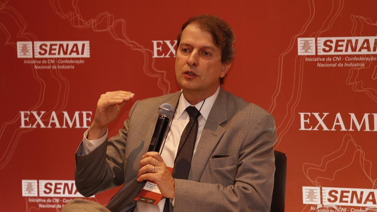 Diretor-geral do SENAI defende que a educação é essencial para o desenvolvimento do país
