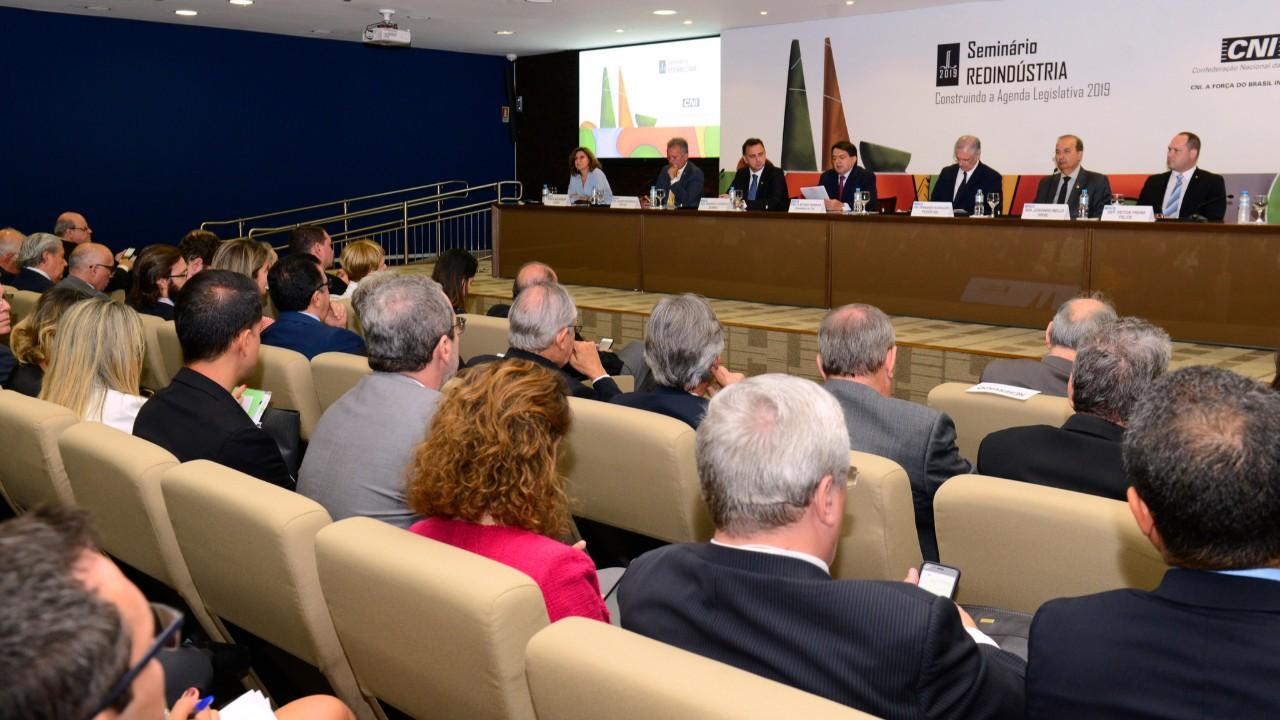 Redução de burocracia e melhora do ambiente de negócios devem ter destaque na agenda legislativa de 2019