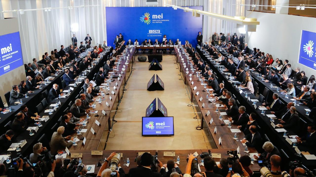 CNI recebe parlamentares para discutir agenda de inovação