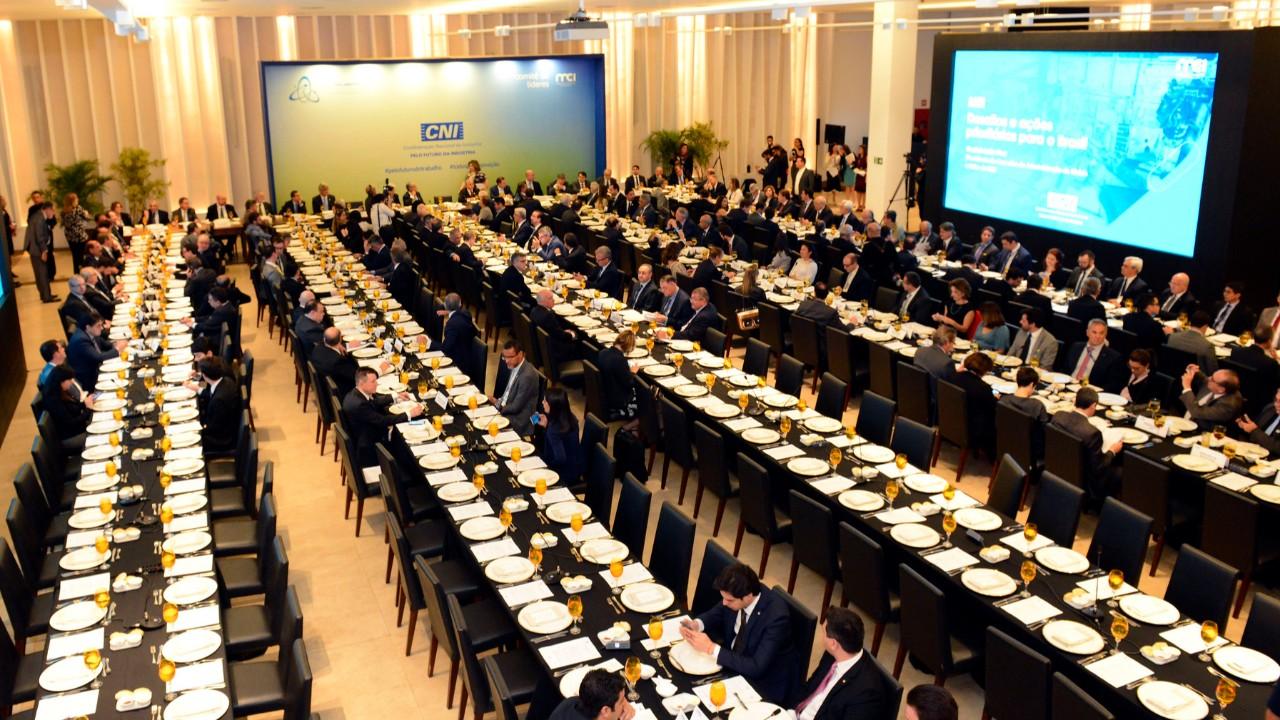 CNI assina acordo com a ABDI para aumentar produtividade, inovação e internacionalização