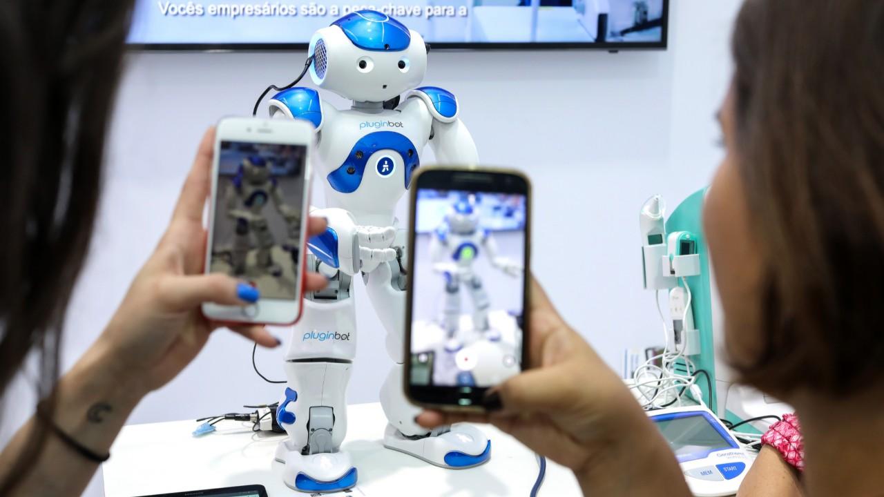 Novas tecnologias de saúde conquistam público na Olimpíada do Conhecimento