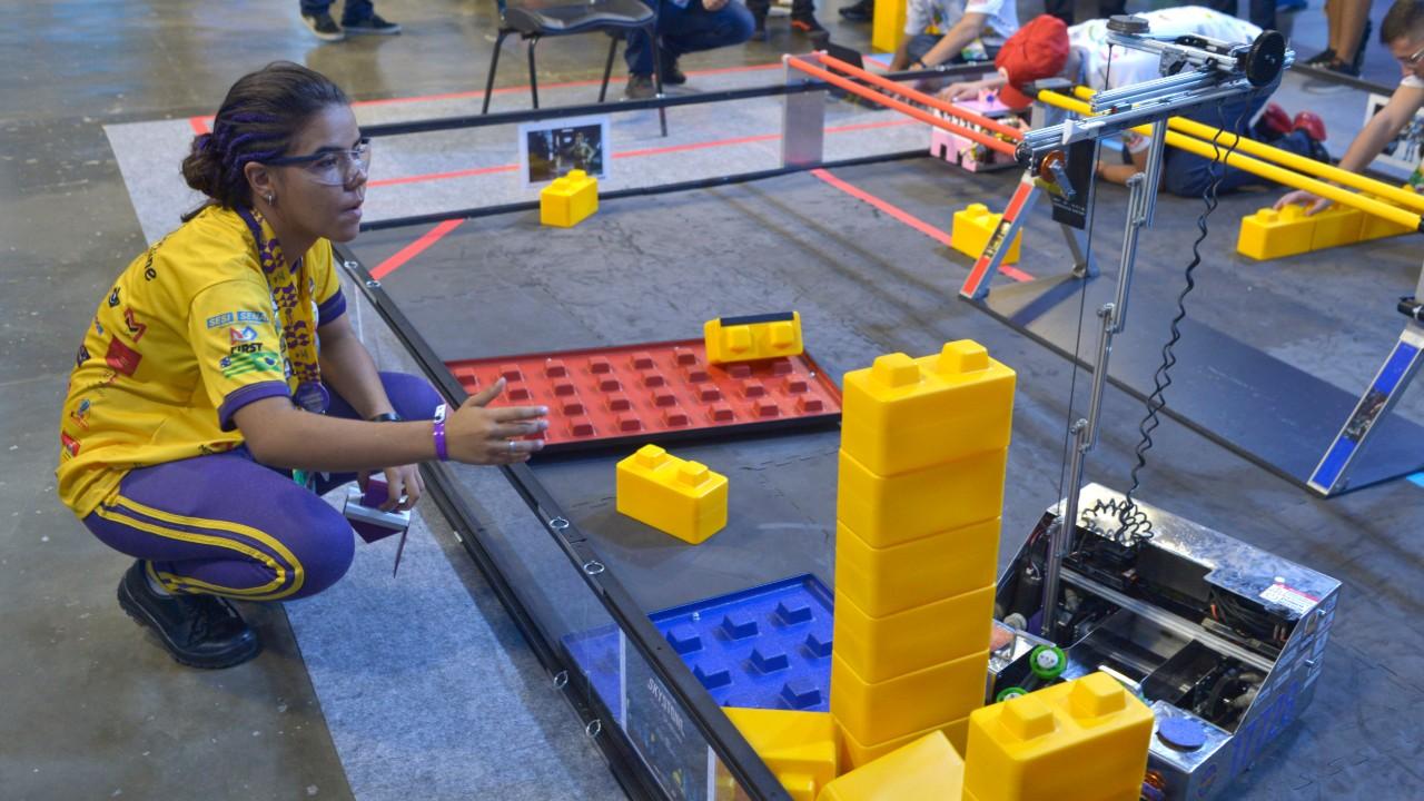FIRST organiza evento de robótica a distância