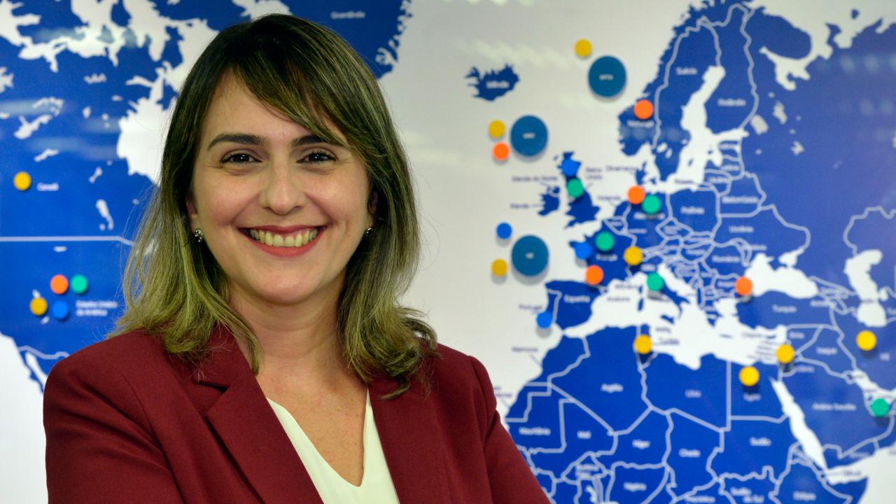 Brasil precisa inserir mais micro e pequenas empresas no mercado internacional, afirma Sarah Saldanha
