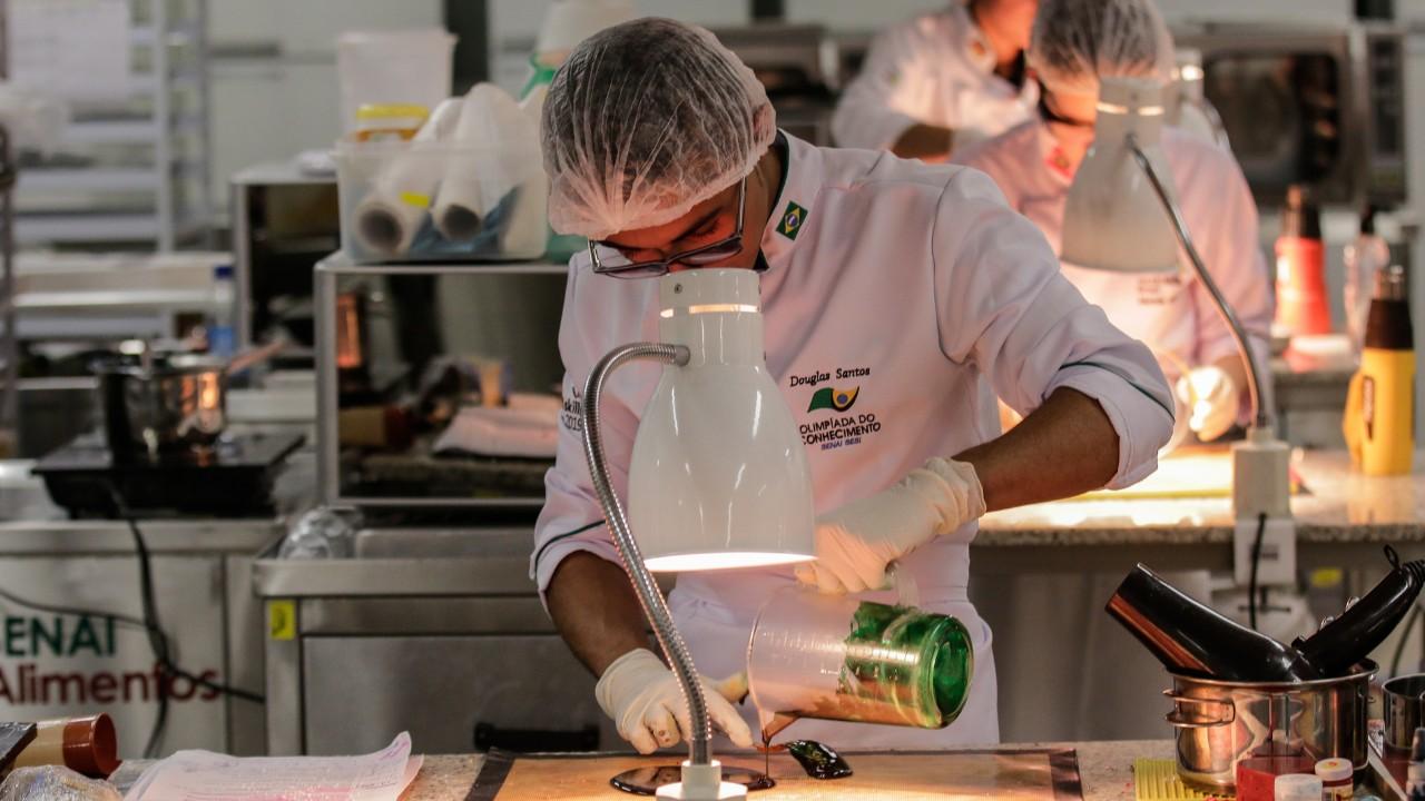 Aluno do SENAI de Alagoas conquista ouro em Confeitaria na seletiva para a Worldskills
