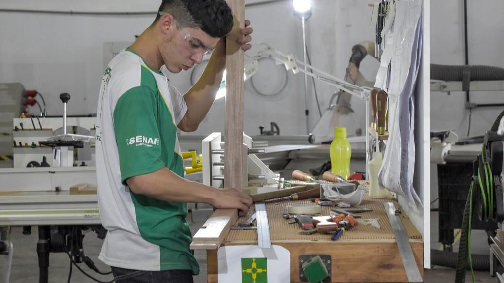 SENAI do Distrito Federal ganha medalha de ouro em Movelaria nas seletivas da WorldSkills