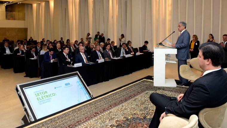 Energia precisa voltar a ser vantagem comparativa da economia brasileira, diz presidente da CNI