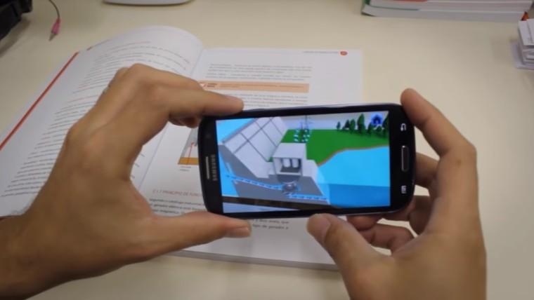 Alunos do SENAI usam aplicativos de realidade aumentada para aprender de forma divertida e inovadora