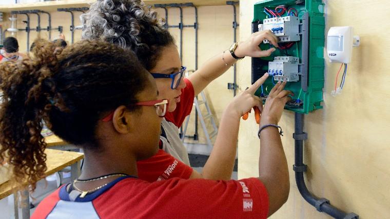 Na vanguarda da educação, SENAI avalia competências socioemocionais de alunos