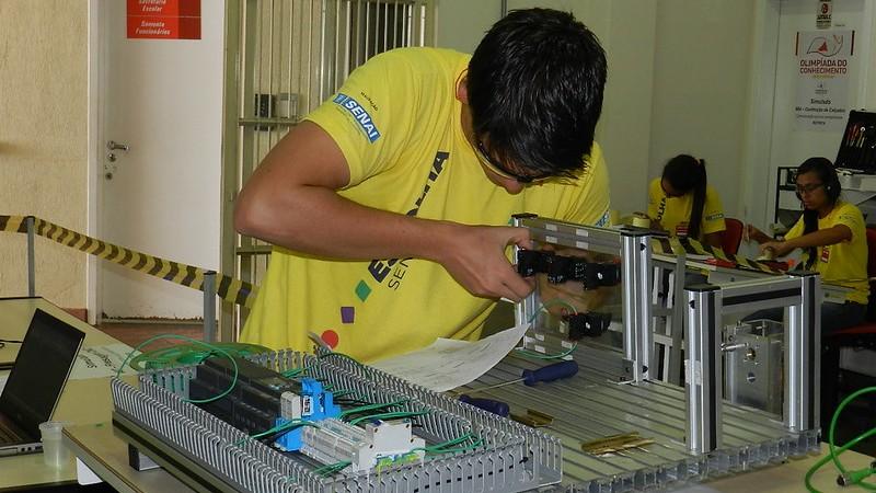 SENAI tem vagas para cursos pagos e gratuitos em todo o Brasil
