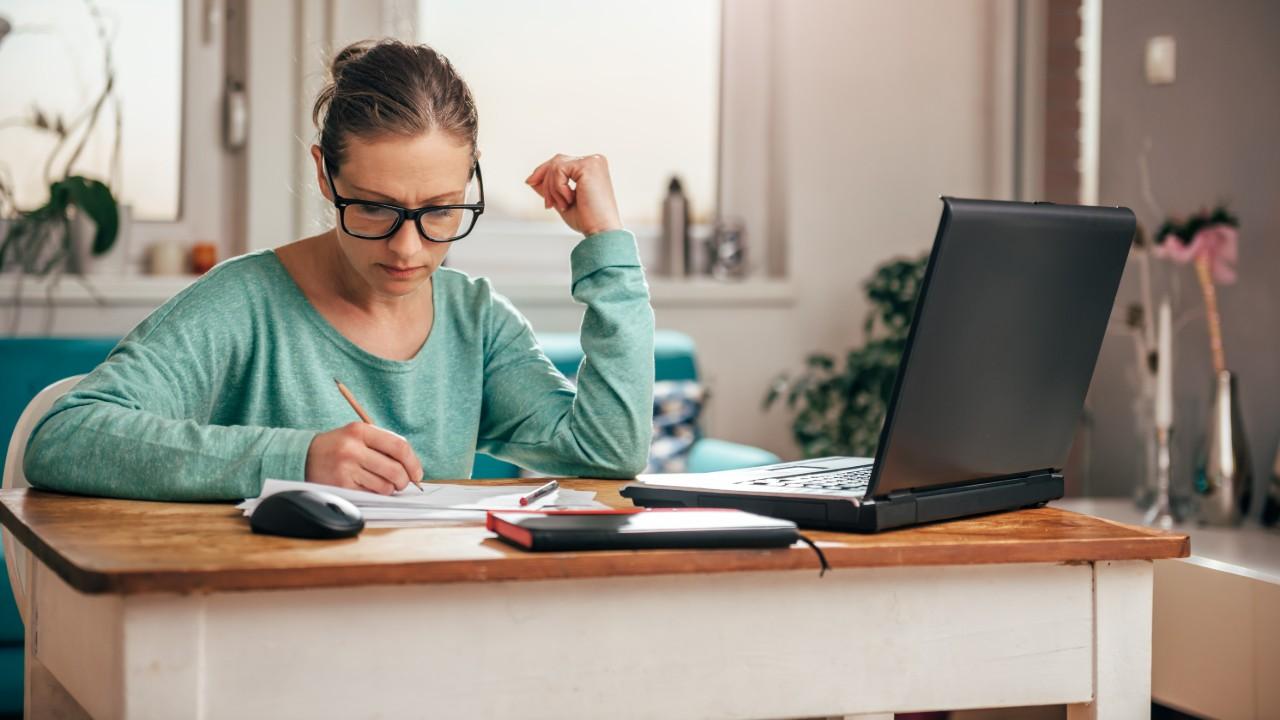 IEL oferece cursos on-line e webinars gratuitos na área de gestão