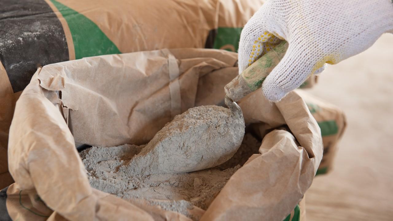 CNI entra com ação contra lei estadual que proíbe saco de cimento de 50 quilos