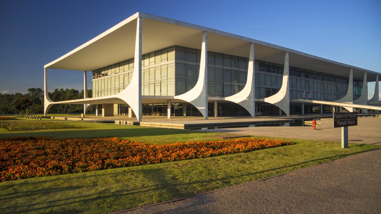 Avanços dos primeiros 10 meses do governo Bolsonaro podem propiciar a recuperação da economia e do emprego