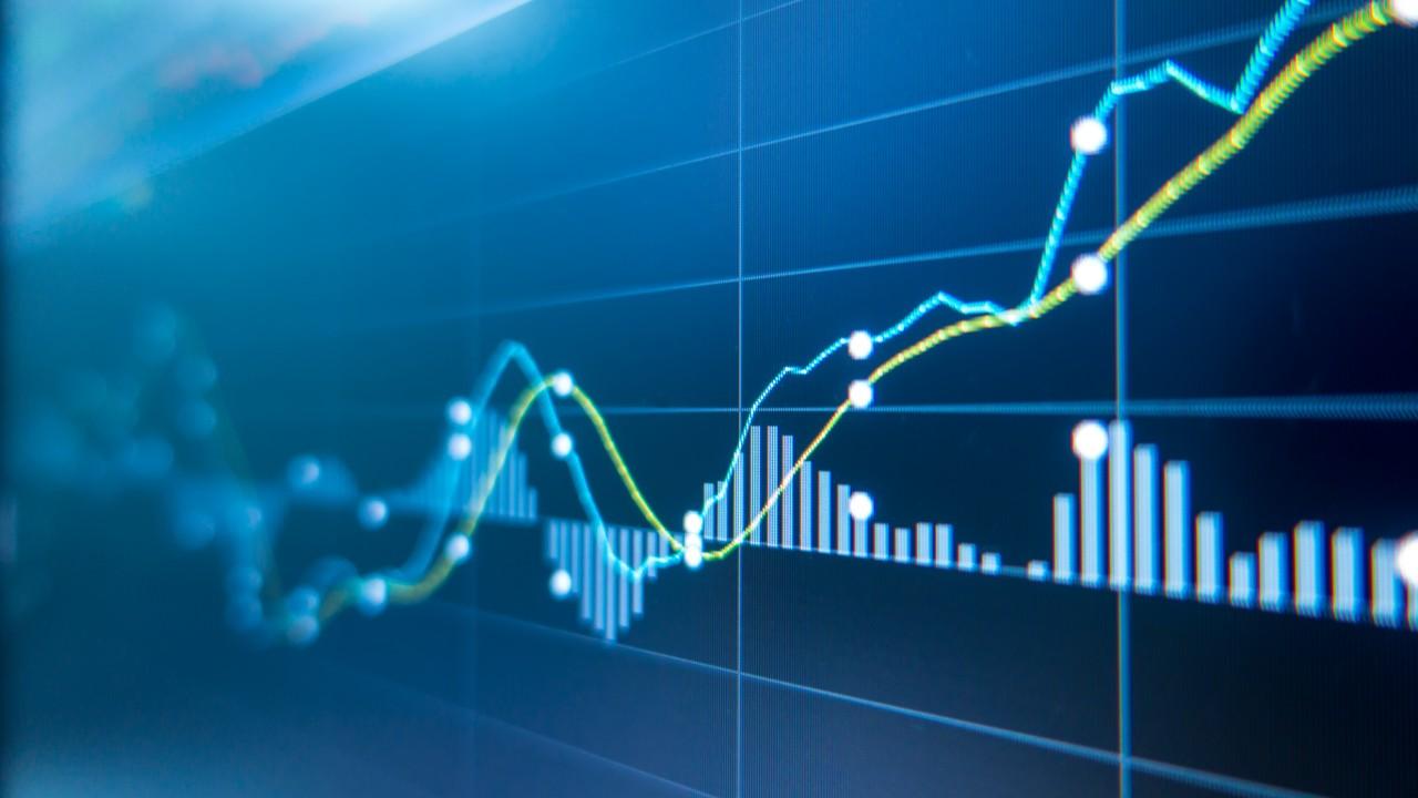 Economia brasileira deve crescer 4% em 2021, e PIB industrial, 4,4%