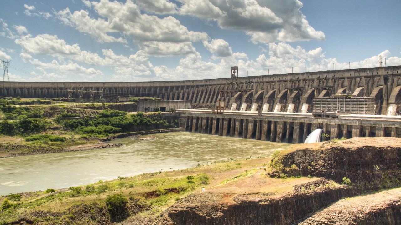 Medidas adotadas em resposta à crise hídrica favorecem estabilidade no setor elétrico