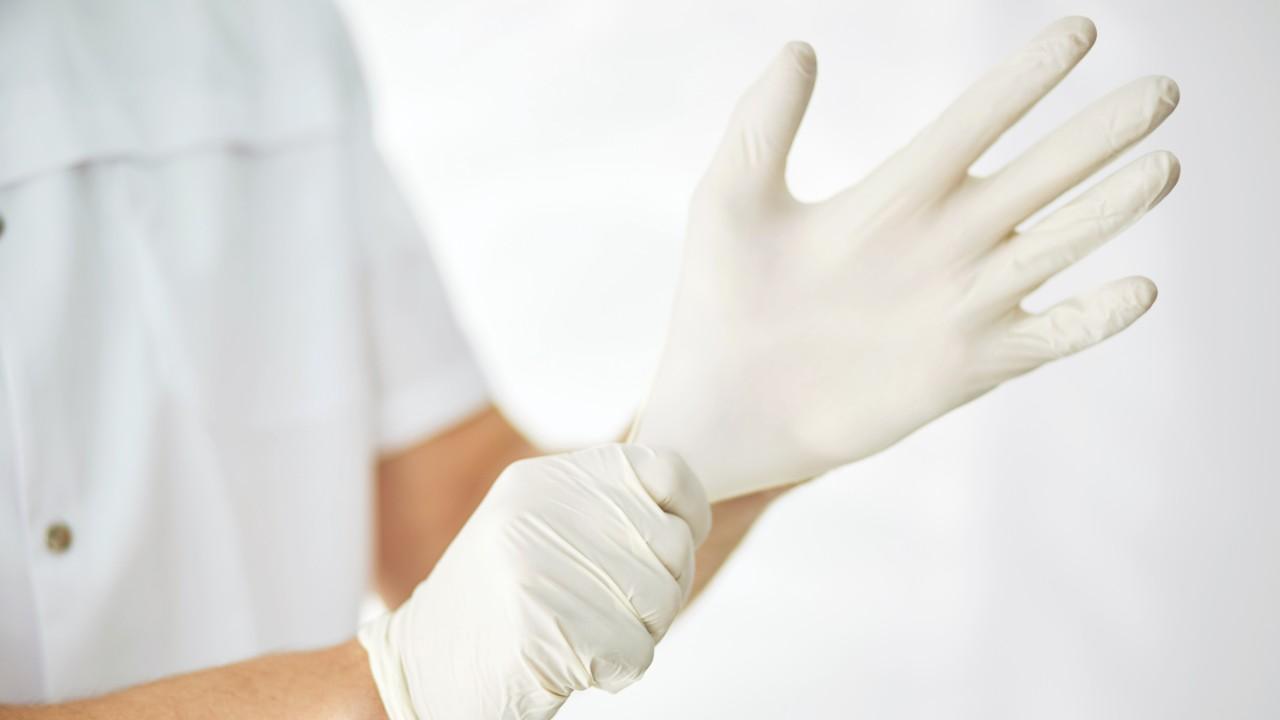 SENAI do Rio Grande do Sul vai desenvolver luvas cirúrgicas