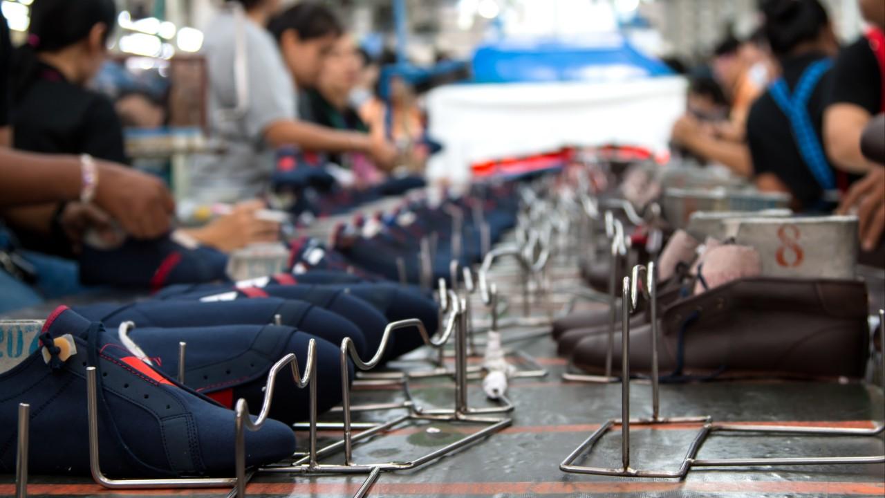 Indústria dos calçados mobiliza mais de 30 empresas durante a crise