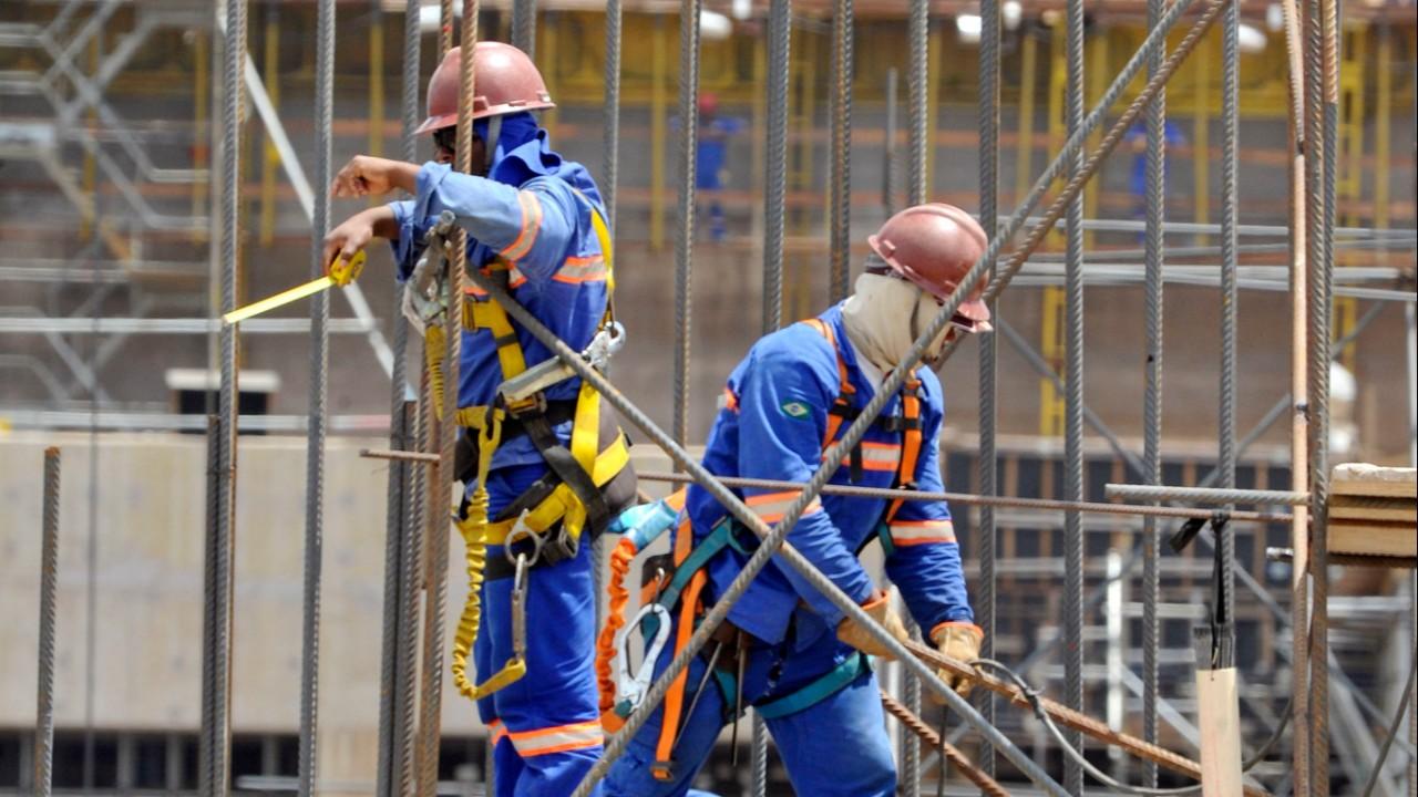 Retração da construção, em março, foi a mais rápida e abrupta da série histórica, aponta CNI
