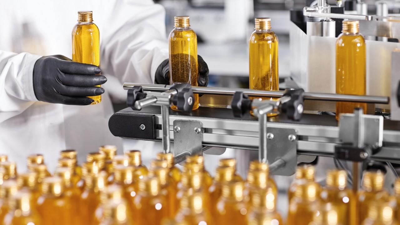 Nova queda na produção e no emprego dificulta a recuperação da indústria, informa pesquisa da CNI