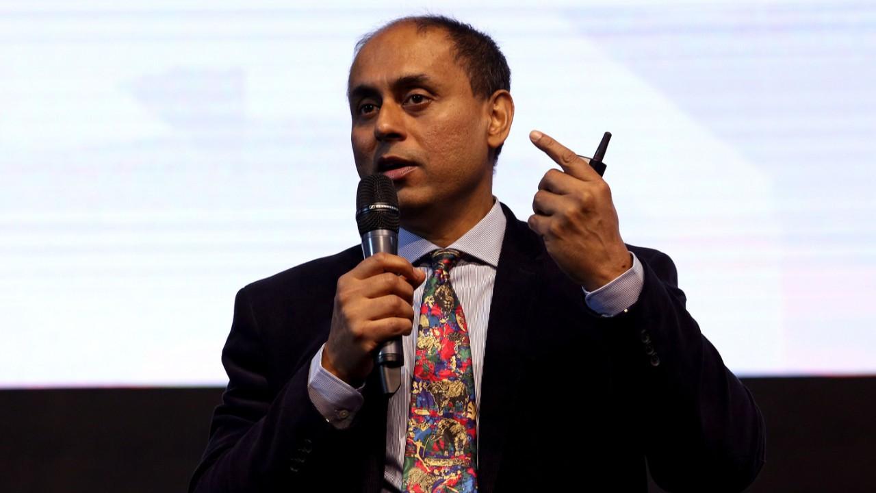 Brasil tem potencial de liderança para digitalização, mas precisa assumir riscos, diz Soumitra Dutta