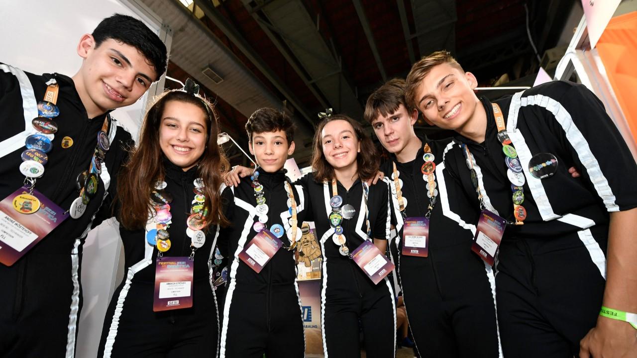 Criatividade e inovação! Jovens de Blumenau (SC) fazem aplicativo que ajuda no controle das emoções