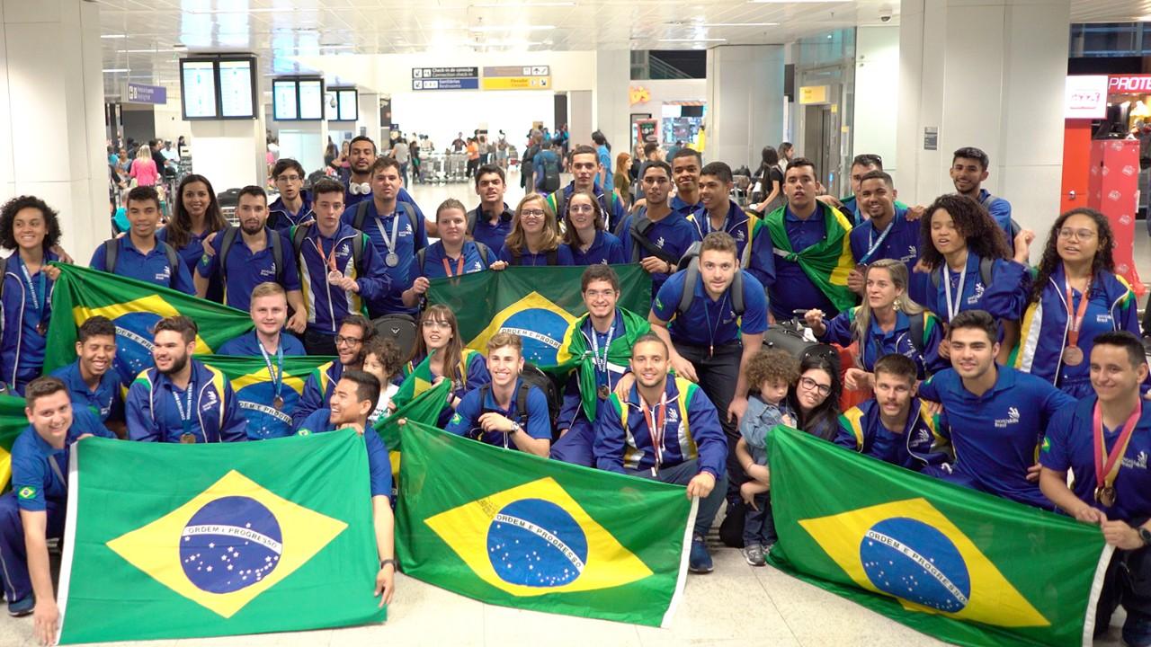VÍDEO: WorldSkills 2019 - Veja como foi a chegada dos competidores ao Brasil