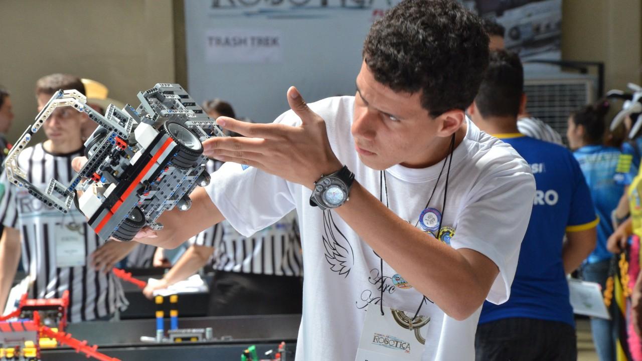 Goiânia recebe etapa regional do Torneio SESI de Robótica