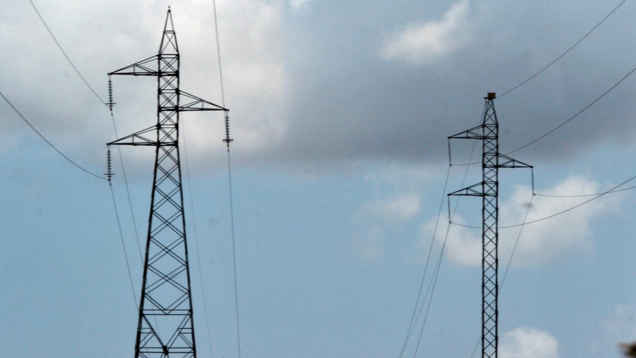 Redução de burocracia e planejamento de longo prazo devem ser prioridade para setor elétrico, diz CNI