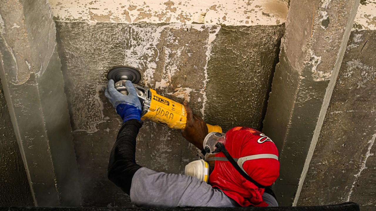 Indústria da construção desacelera e perde empregados, aponta CNI