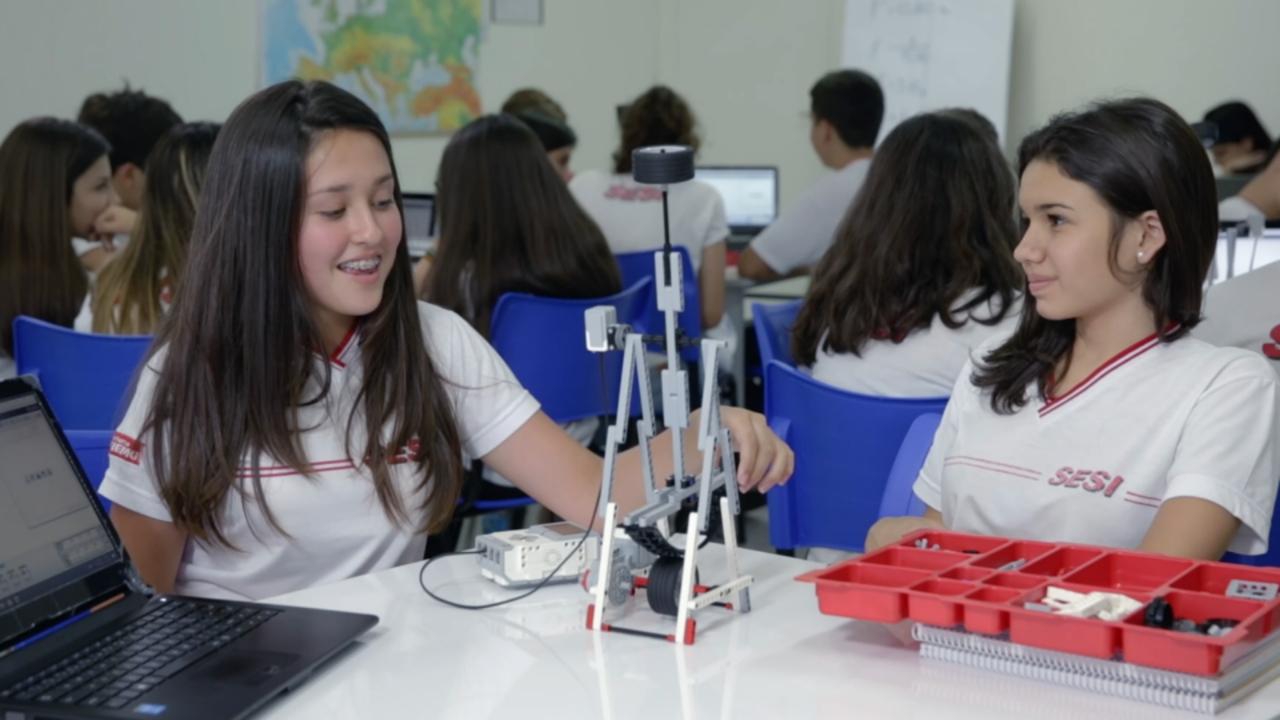 VÍDEO: Robótica impulsiona aprendizado multidisciplinar