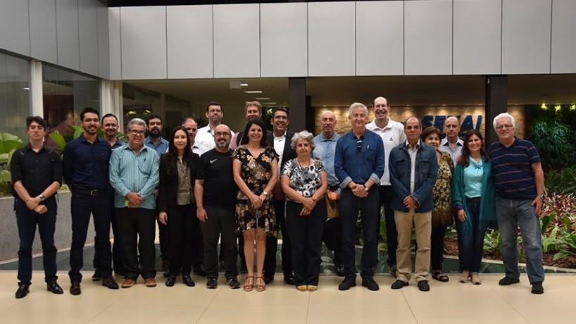 """""""Programa Conhecendo a Indústria"""" visita Instituto SENAI de Inovação em Biomassa"""