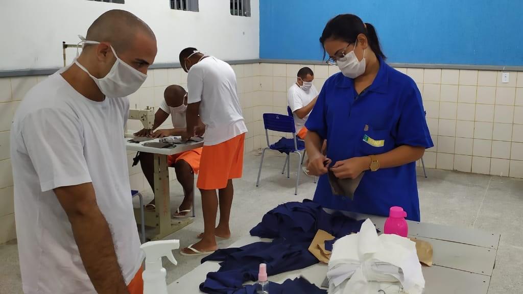 Parceria de SENAI do Ceará com sistema prisional produz 25 mil máscaras