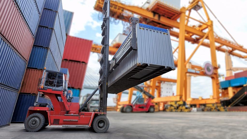 Indústria brasileira perde espaço no mercado mundial, informa estudo da CNI