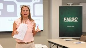 Em Florianópolis, FIESC capacita 14 representantes da indústria em Negociação Coletiva