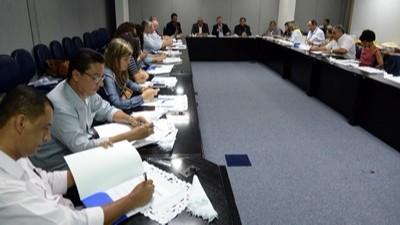 Presidente do SIMEC participa de encontro na FIEB
