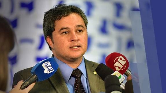 Congresso precisa manter agenda de reforma, diz Efraim Filho