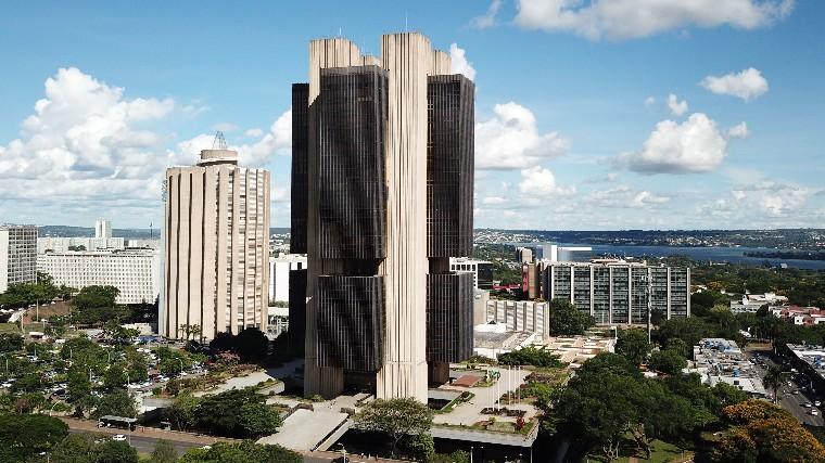 Manutenção dos juros baixos depende do ajuste das contas públicas, alerta CNI