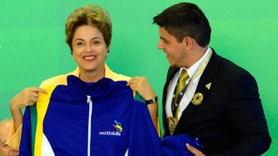 Educação profissional é alavanca do futuro, diz Dilma Rousseff