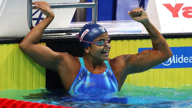Etiene Medeiros quebra mais um recorde e se torna primeira campeã mundial do Brasil