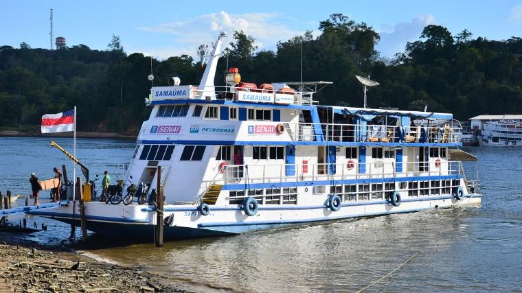 Barco-escola do SENAI completa 39 anos com milhares de alunos certificados na Amazônia