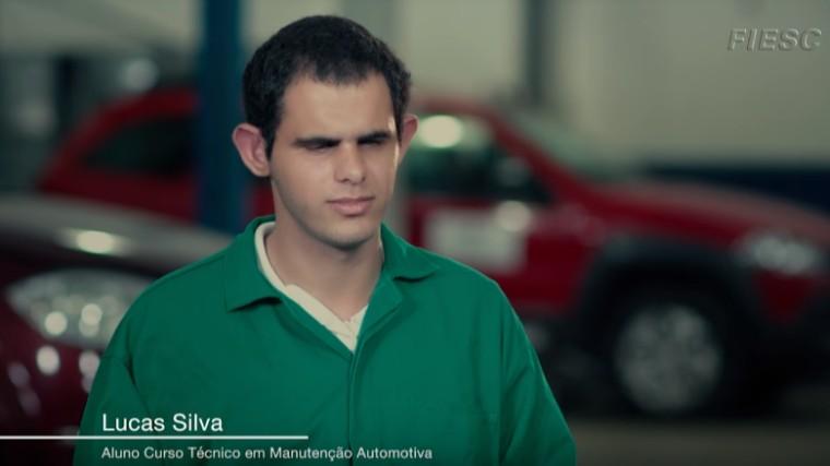 VÍDEO: Estudante do SENAI com deficência visual realiza sonho de ser mecânico