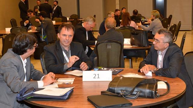 Rodada de negócios da Rede CIN atrai empresários no primeiro dia de congresso internacional de TI